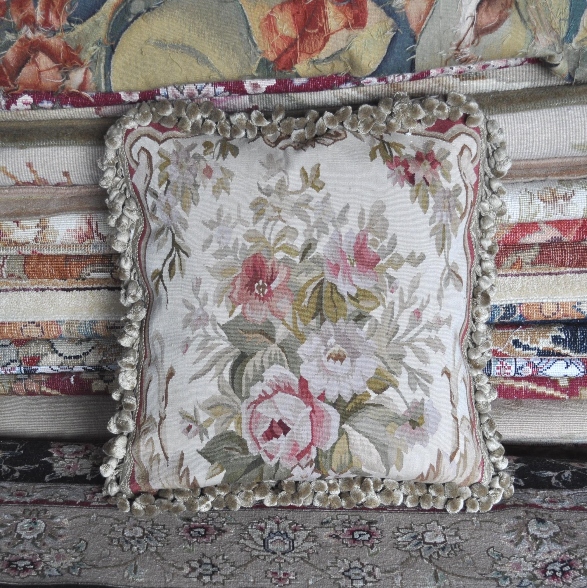 18″x18″ Aubusson Pillow Cover 12980018