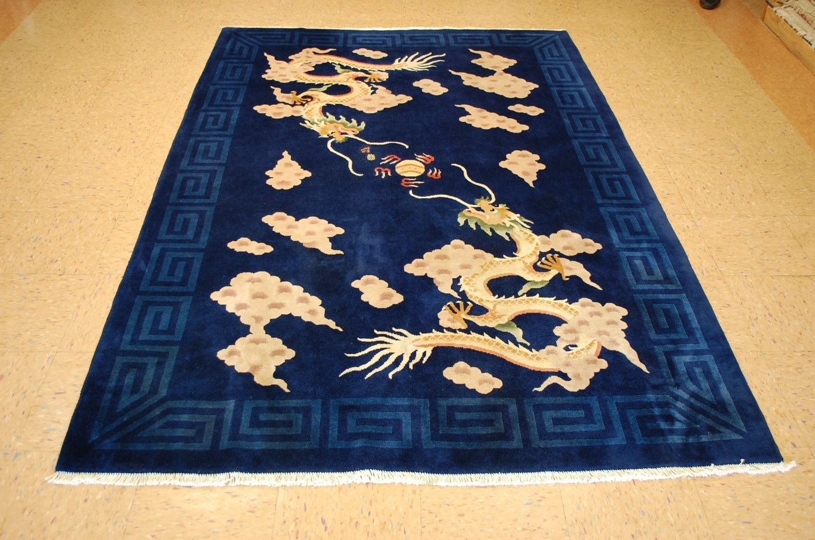 5'6 x 8′ Hand-knotted Antique Wool Chinese Art Deco Two Dragons Playing with a Pearl (二龙戏珠) Rug 12980543 (10)