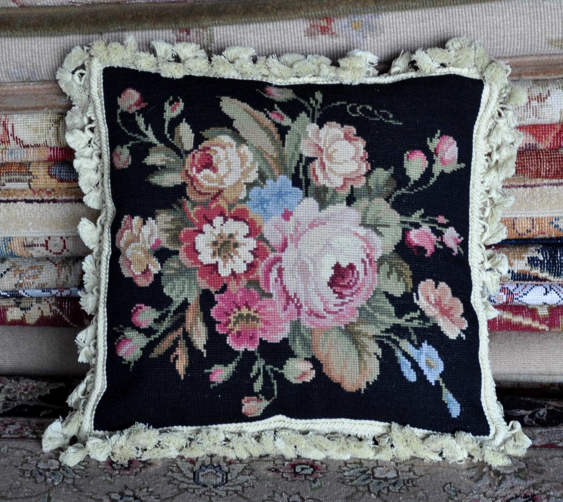 16″ x 16″ Handmade Wool Needlepoint Roses Black Cushion Cover Pillow Case 12980899