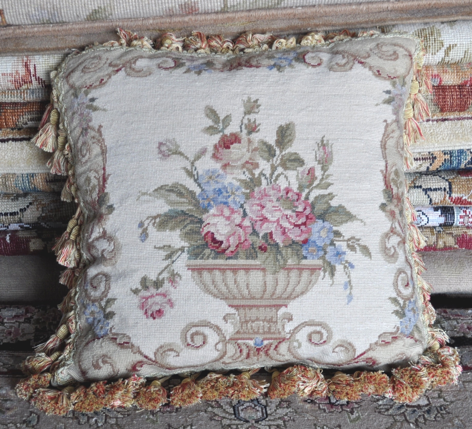 16″ x 16″ Handmade Wool Needlepoint Urn Flowers Roses Cushion Cover Pillow Case 12980902