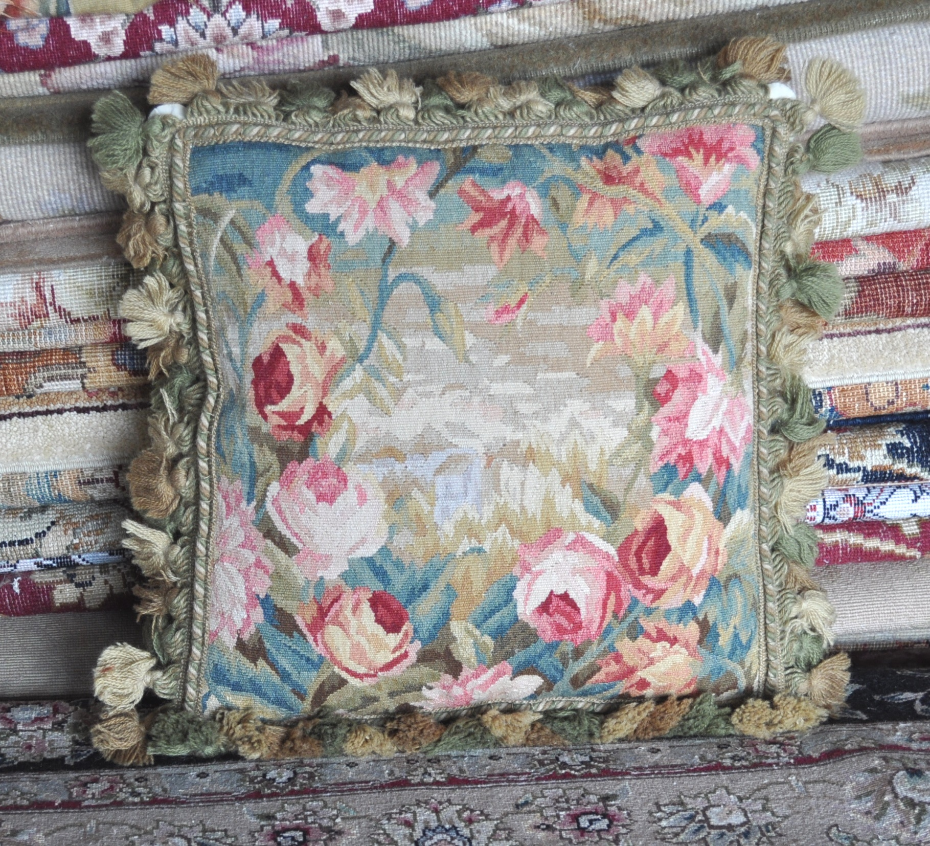 17″ x 17″ Antique French Reproduction Roses Gobelins Tapestry Weave Wool Aubusson Cushion Cover / Pillow Case 12980903