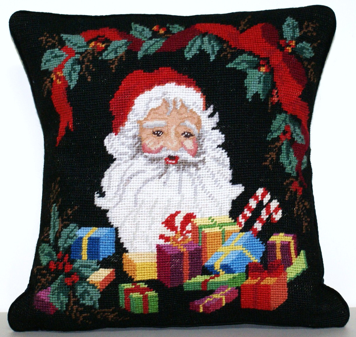 14″x14″ Needlepoint Santa Claus Pillow Cover 12980912